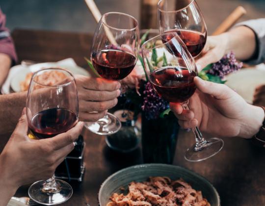 10 dicas para escolher o vinho certo para o seu jantar